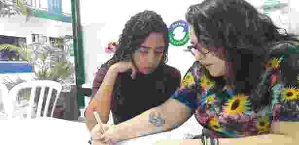 Professora voluntária, Maitê ofereceu casa para alunos dormirem antes do Enem - Bruno Aragaki/Colaboração para o UOL