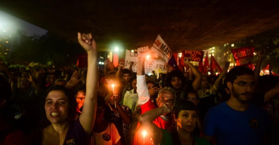 20.mar.2018 - Manifestantes se concentram em frente ao MASP (Museu de Arte de São Paulo), na avenida Paulista, centro da capital, para mais um ato em memória da vereadora Marielle Franco (PSOL-RJ) e seu motorista Anderson Gomes, que foram assassinados na última quarta-feira (14)