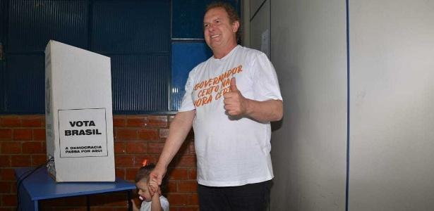 Mauro Carlesse vota no Centro Universitário de Gurupi (Unirg), no sul do Tocantins