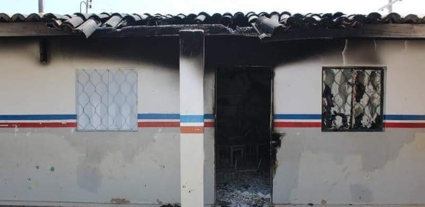 29.out.2018 - Escola fica destruída na Terra Indígena dos Pankararus após incêndio - Divulgação