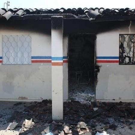 29.out.2018 - Escola é destruída em incêndio suspeito em outubro no território dos Pankararus - Divulgação