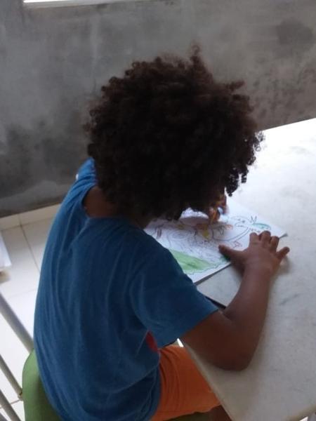 8b783ea6c Menino com cabelo black power tem matrícula escolar recusada ...