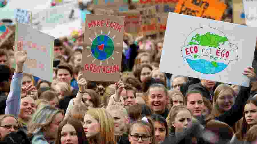 20.set.2019 - Estudantes fazem passeata contra mudanças climáticas em Berlim, na Alemanha - Hannibal Hanschke/Reuters