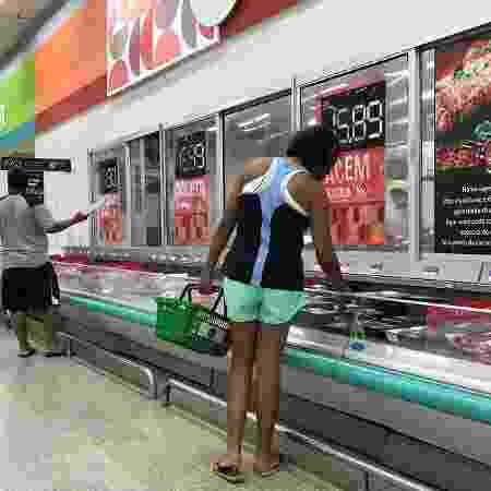 Cerca de 69 milhões de brasileiros, ou 42% da população adulta, pretendem comprar menos nos próximos meses comparado ao que gastavam antes da pandemia do coronavírus - Sergio Moraes/Reuters