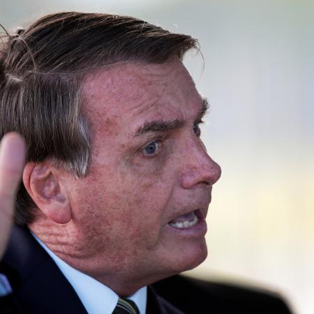 Presidente Jair Bolsonaro ao deixar o Palácio da Alvorada em Brasília -