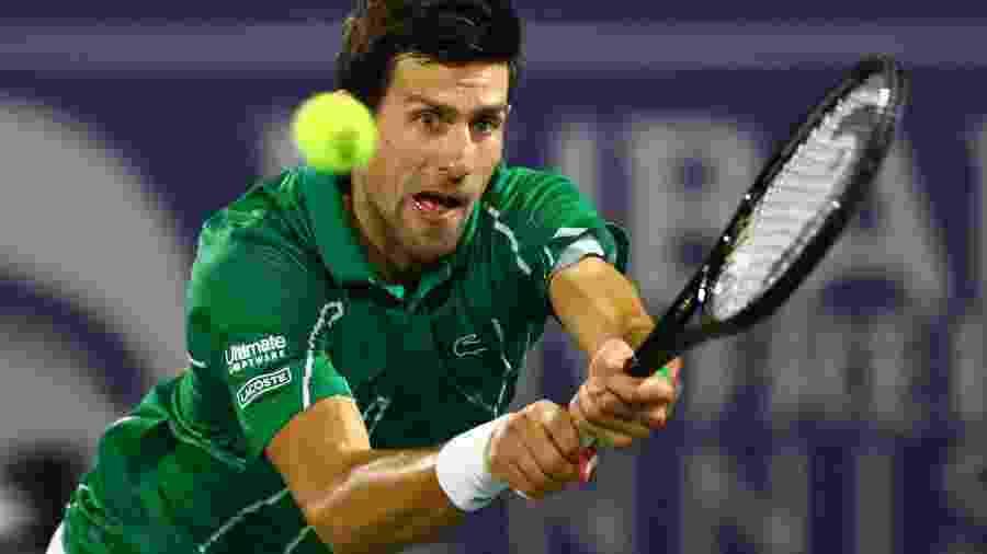 Tenista Novak Djokovic em final do ATP 500 contra Stefanos Tsitsipas - AHMED JADALLAH