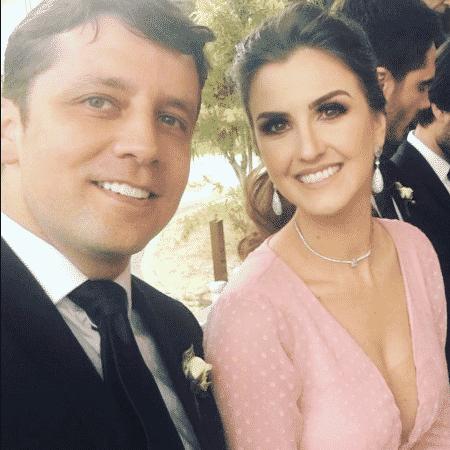 Prefeito de Balneário Camboriú, Fabrício Oliveira (Podemos), ao lado da esposa, Mozara Paris - Reprodução/Instagram