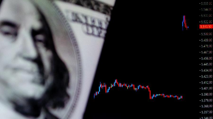 Dólar fecha em queda de 0,61%, cotado a R$ 5,551; Bolsa cai 0,15% após 5 dias consecutivos de alta  - Kevin David/A7 Press/Estadão Conteúdo