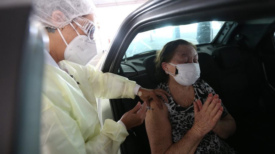 Brasil chegou à marca de 39,3 milhões de vacinados contra a covid-19 - Rivaldo Gomes/Folhapress