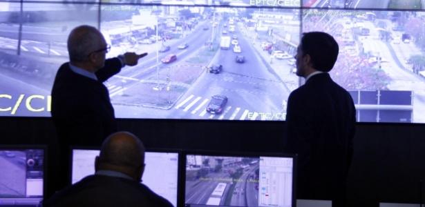 Sistema de monitoramento do Centro Integrado de Comando de Porto Alegre
