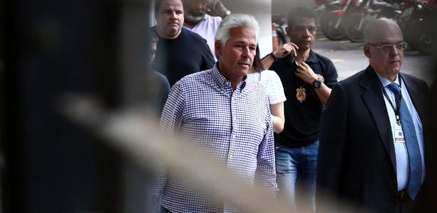 Godinho foi denunciado pela suposta prática dos crimes de corrupção ativa e lavagem de dinheiro envolvendo contratos de obras públicas no Rio