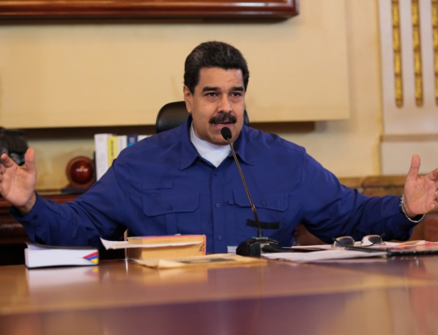Nicolás Maduro em reunião no Palácio de Miraflores, em Caracas, nesta quinta-feira (1º)