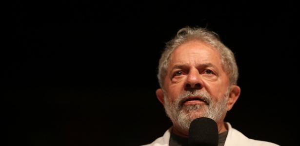 Lula participa de ato realizado no Sindicato dos Bancários, em Brasília
