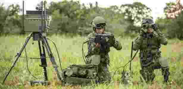 Segundo general gerente do Sisfron, o desenvolvimento de sensores de sinais eletromagnéticos e de radares de vigilância terrestre é demorado - Exército