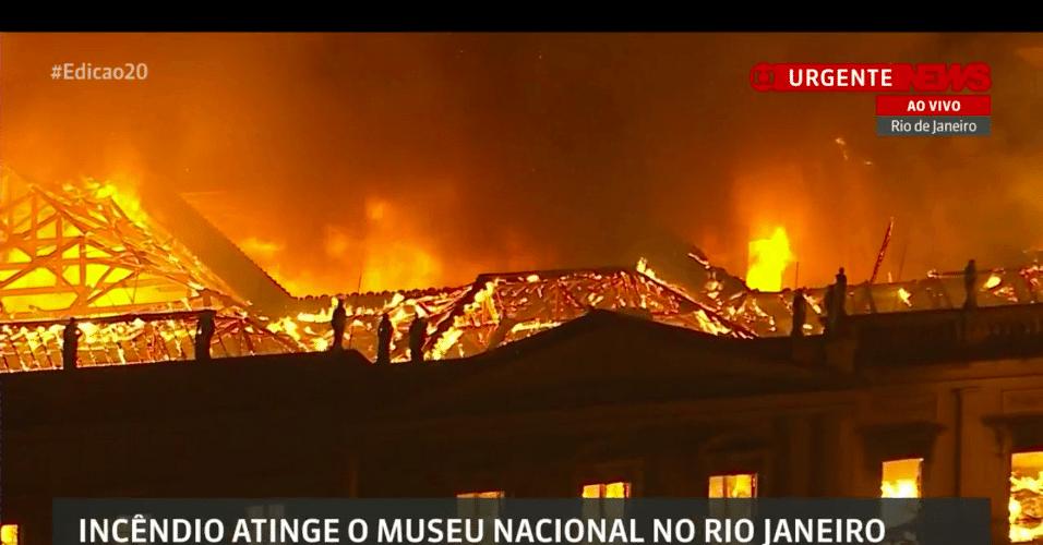 Resultado de imagem para incendio no museu