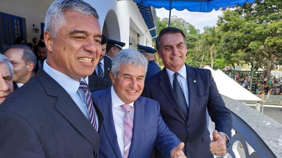 Bolsonaro acompanha a formatura de sargentos ao lado do senador eleito Major Olimpio (PSL) e do futuro ministro da Ciência e Tecnologia, Marcos Pontes - Reprodução/Twitter Major Olimpio