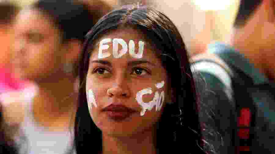 Protesto em defesa da educação pública e contra a Reforma da Previdência é realizado na praça da Republica, no centro de Belém - Paccó/FramePhoto/Estadão Conteúdo