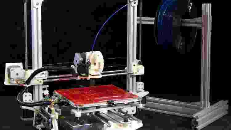 Impressora 3D - Deezmaker/ Wikimedia Comons - Deezmaker/ Wikimedia Comons
