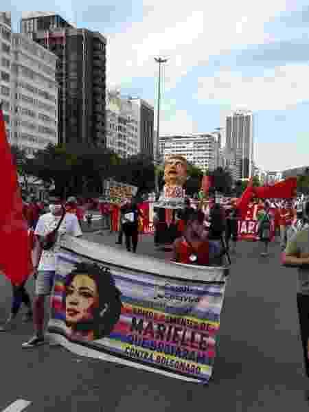 Manifestação com boneco de Bolsonaro - Divulgação - Divulgação