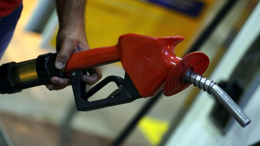 Posto de gasolina, bomba de combustível - Reuters