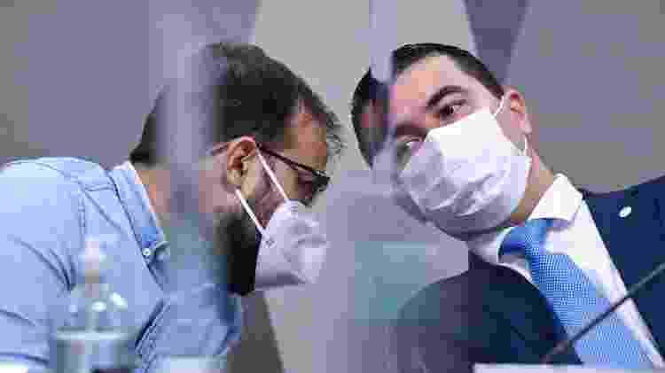25.jun.2021 - Chefe de importação do Ministério da Saúde, Luis Ricardo Miranda, e o deputado Luis Miranda (DEM-DF), durante depoimento à CPI da Covid - Jefferson Rudy/Agência Senado - Jefferson Rudy/Agência Senado