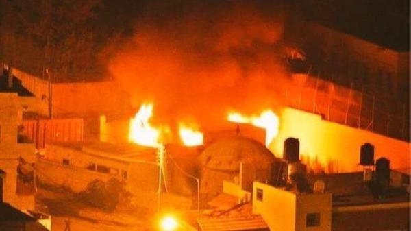 16.out.2015 - Palestinos incendiaram o túmulo de José, um local venerado pelos judeus em Nablus, na Cisjordânia