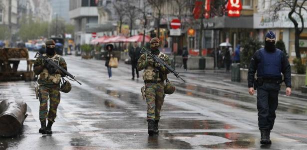 Soldados patrulham ruas de Bruxelas após alerta para atentados - Youssef Boudlal/Reuters