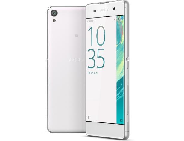 21.fev.2016 - Lançado pela Sony como parte de uma linha de três smartphones, o Xperia XA oferece resolução Full-HD, processador Snapdragon 650 de seis núcleos, 3 GB de RAM e câmeras de 23 megapixels (traseira) e 13 MP (frontal). Todos os três aparelhos estarão com Android 6.0 e disponíveis no terceiro trimestre, e a Sony não revela preço