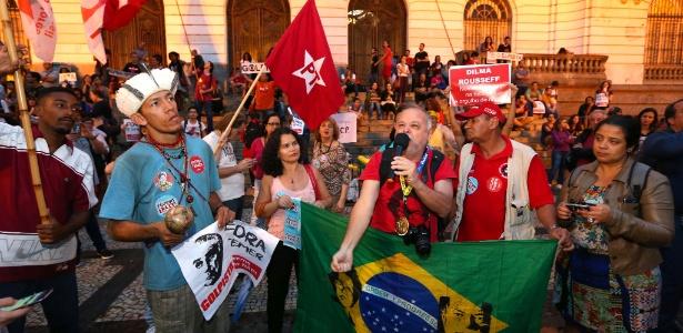 Manifestação contra o impeachment acontece na Cinelândia - Marco Antonio Teixeira/UOL
