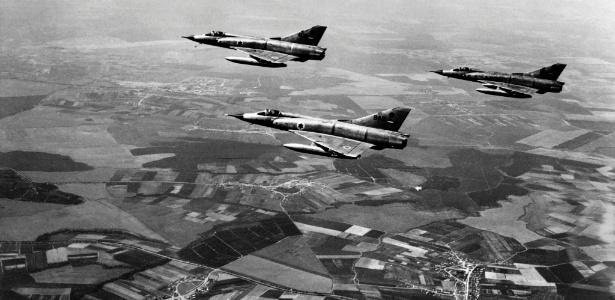 Caças da força aérea israelense durante a Guerra dos Seis Dias