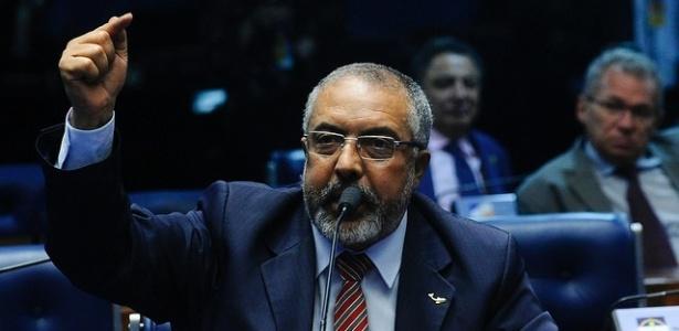 Paulo Paim é o único senador negro do país, diz pesquidador