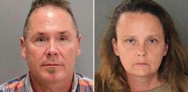 Michael Kellar e Gail Burnworth foram presos após denúncia de passageira de avião