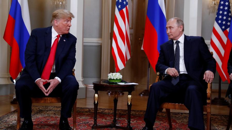 16.jul.2018 - Trump e Putin em cúpula bilateral em Helsinque, na Finlândia - REUTERS/Kevin Lamarque