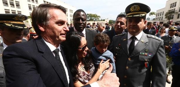 Jair Bolsonaro participa de cerimônia de cadetes em Resende, no sul do Rio