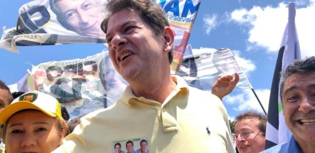 Cid Gomes participa de ato de campanha no Ceará na véspera do 1º turno