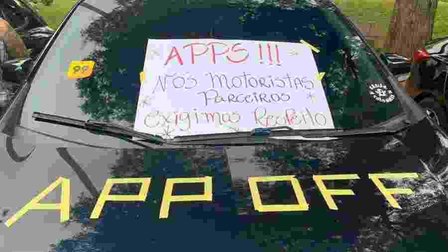 Carro decorado com críticas à Uber na Vale do Anhangabaú (SP), durante paralisação - Bruna Souza Cruz/UOL