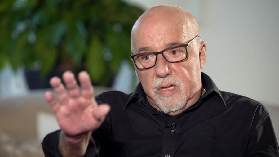 Paulo Coelho em entrevista à BBC - BBC