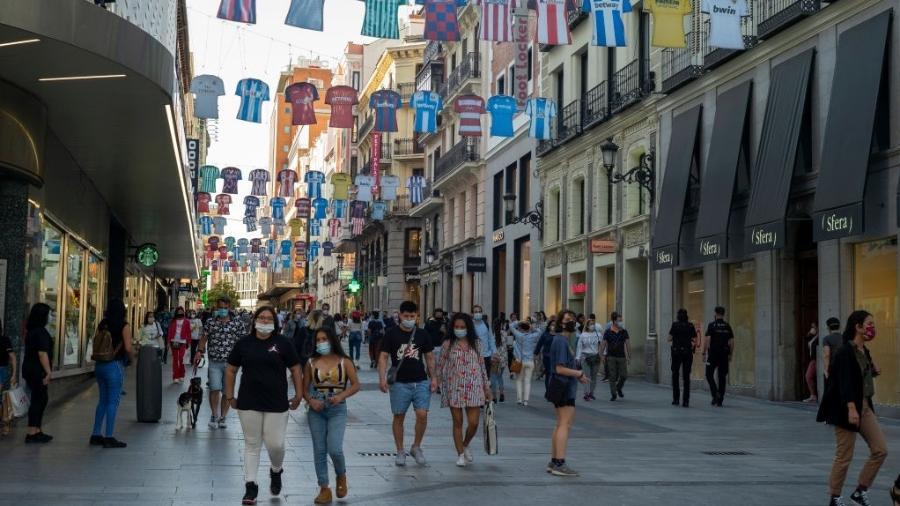 Movimentação em Madri, na Espanha, durante flexibilização na pandemia do novo coronavírus - NurPhoto via Getty Images