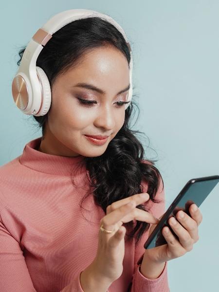Presente para adolescente pode ser difícil; algo mais tecnológico vai te ajudar - Narisara Nami/Getty Images