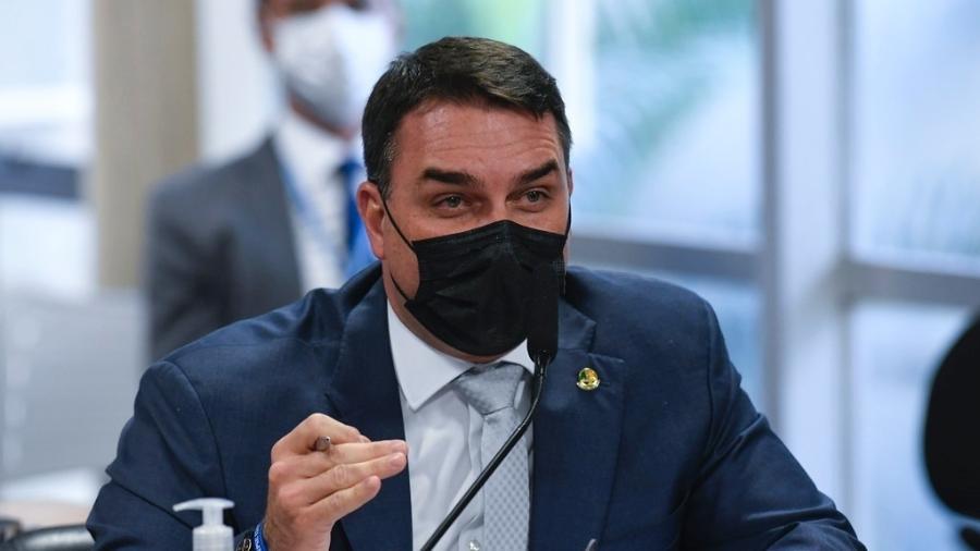 Flávio Bolsonaro (Patriota-RJ) foi um dos 27 senadores que votaram a favor da nova reforma trabalhista - Jefferson Rudy/Agência Senado