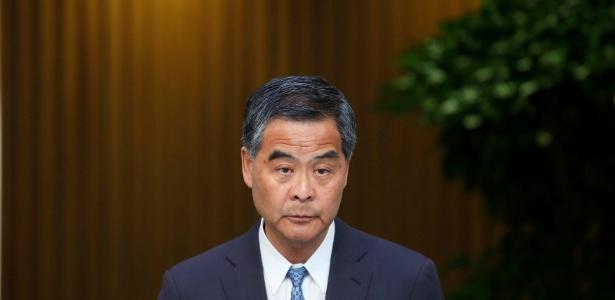 O chefe do Executivo Leung Chun-ying dá entrevista em Hong Kong