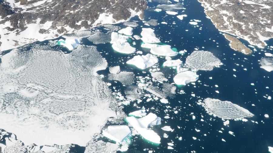 A maioria dos cientistas sustenta que a queima de combustíveis fósseis está causando mais enchentes, secas, ondas de calor e a elevação do nível dos mares - Paul Bierman