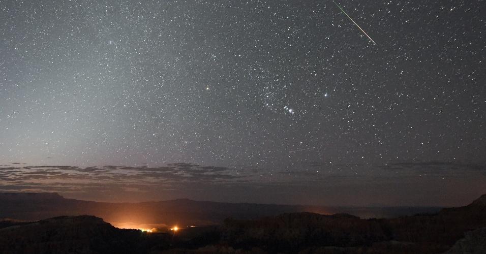 12.ago.2016 - Chuva de meteoros Perseida é vista em Utah, nos Estados Unidos