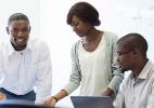 Empreendedor negro tem crédito negado 3 vezes mais do que branco no Brasil (Foto: AfricaImages/iStock )