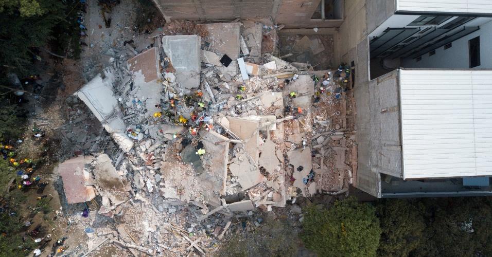 19.set.2017 - Foto aérea de prédio que desabou com terremoto na Cidade do México