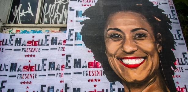 Marielle presente: rosto da vereadora carioca assassinada no dia 14 de março, estampa lambe-lambe na rua da Consolação, centro de São Paulo