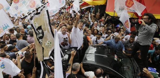 Fernando Haddad, realiza uma carreta em Heliópolis, zona sul de São Paulo