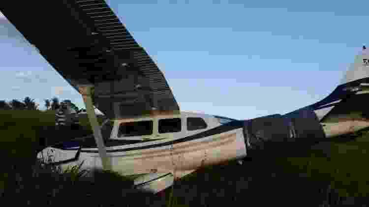 Avião no qual piloto italiano transportava R$ 4,6 milhões e teve que fazer pouso forçado em MT - Polícia Judiciária Civil de Mato Grosso/Divulgação