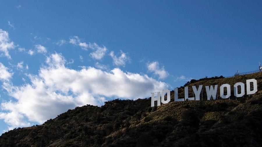 Letreiro de Hollywood em Los Angeles, nos Estados Unidos, durante pandemia do coronavírus - Brian van der Brug/Los Angeles Times via Getty Images