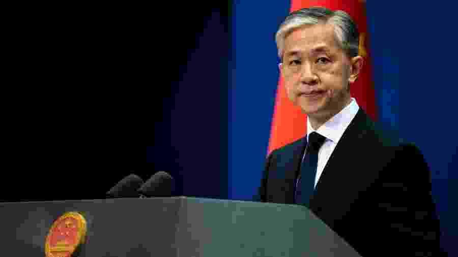 """Wang Wenbin disse que Washington deve evitar """"minar gravemente as relações entre a China e os Estados Unidos"""" - Artyom Ivanov/TASS via Getty Images"""